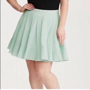 Torrid Size 20 light green skirt NWT